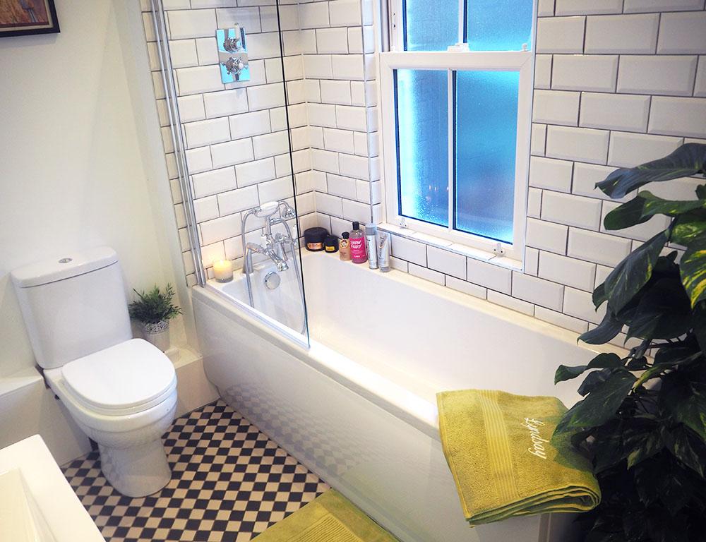 Home Decor: Take a peek in our new Bathroom!
